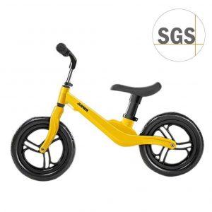 Bicicleta sin pedales de sencillo transporte